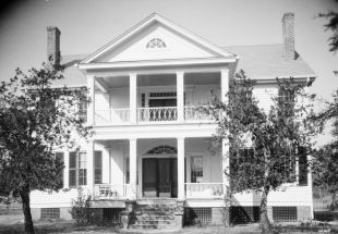Col. J. R. Hawthorne House in Pine Apple